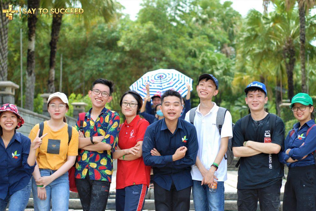 "Đội 4: ""Team KHÔ MÁU"""
